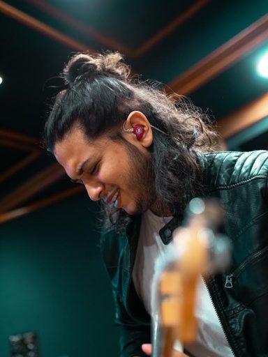 Elvis Guapulema (Guitarrista)